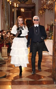 Cara Delevingne and Karl Lagerfeld for Chanel Metiers d'Art Paris-Salzburg Pre Fall Collection ~ Salzburg, Austria, December Look Fashion, Fashion Models, High Fashion, Runway Fashion, Fashion Show, Autumn Fashion, Fashion Design, Cara Delevingne, Karl Lagerfeld