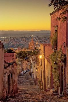 Have you longed to go to Mexico? You should plan a trip to San Miguel de Allende, it is full of colour and culture. Plus you can put more money towards your trip with all the money you will save with our Travel Specialbuys available in store now #EatTravelLive #Win https://www.aldi.co.uk/en/specialbuys/sun-17-may/