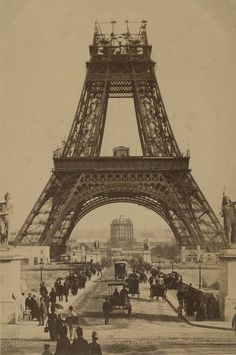 Eiffel Tower Photography, Old Photography, Background For Photography, Photography Backgrounds, Architecture Blueprints, Vintage Architecture, Eiffel Tower Painting, Gustave Eiffel, Paris Eiffel Tower