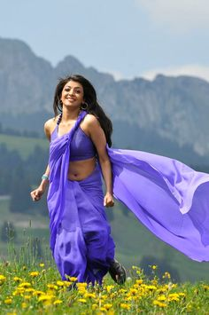 Kajal Agarwal Latet Navel Show Photos In Blue Saree