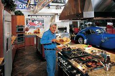 Jay Leno's kitchen in garage yup why not. Living the dream Garage Loft, Garage House, Garage Shop, Garage Workshop, Dream Garage, Car Garage, Garage Organization, Garage Storage, Dirt Bike Room