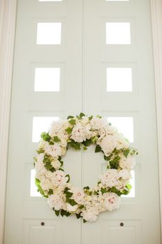 gorgeous wedding wreath, church decor