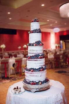 Incredible naked wedding cake