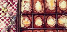 Cadbury creme egg brownies - the indulgent Easter treat! Easy Cake Recipes, Brownie Recipes, Sweet Recipes, Dessert Recipes, Drink Recipes, Cupcake Recipes, Yummy Recipes, Easter Recipes, Egg Recipes