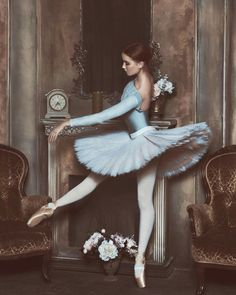 Shared by Esraa majid. Find images and videos about dance, ballet and ballerina on We Heart It - the app to get lost in what you love. Ballet Art, Ballet Girls, Ballet Dancers, Ballerinas, Degas Dancers, Ballerina Art, Ballet Pictures, Dance Pictures, Pantyhosed Legs