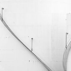 Staircase that seem so weightless, they appear as if they are drawn on the wall instead.