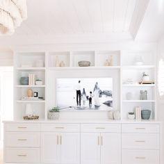 Modern Home Decor Bedroom Bedroom Built Ins, Living Room Built Ins, Living Room Shelves, Master Bedroom, Built In Wall Units, Built In Bookcase, Bookcases, Home Decor Bedroom, Living Room Decor