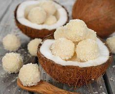 Ingrédients 300 g de lait concentré sucré 200 g + 50 g de noix de coco râpée 100 g d'amandes ou de noisettes entières torréfiées Préparation: La veille, mélanger le lait concentré avec les 200 g de noix de coco. Mettre au réfrigérateur pour toute la nuit. (si vous êtes pressé 3 heures au frigo …