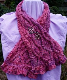 Ravelry: Blowsey Ruffles pattern by Janine Le Cras