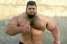 Photos: Giant Iranian Powerlifter Eyeing WWE Career
