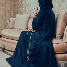 Oya abayas Islamic Fashion, Muslim Fashion, Modest Fashion, Niqab Fashion, Street Hijab Fashion, Hijabi Girl, Girl Hijab, Khaleeji Abaya, Arab Girls Hijab