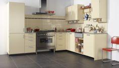 Piet Zwart (retro kitchen for Bruynzeel New Kitchen, Kitchen Dining, Kitchen Decor, Kitchen Cabinets, Kitchen Ideas, Cream Kitchen Accessories, Love Home, Interior Design Kitchen, Home Renovation