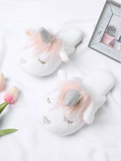 Shop Unicorn Design Two Tone Flat Slippers online. SheIn offers Unicorn Design Two Tone Flat Slippers & more to fit your fashionable needs. Soft Slippers, Cute Slippers, Slipper Socks, Ladies Slippers, Winter Slippers, Little Unicorn, Unicorn Gifts, Glass Slipper, Slippers