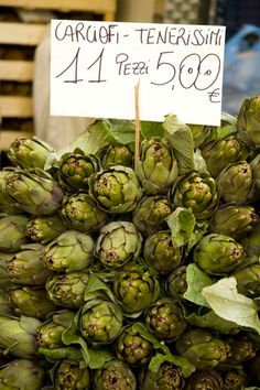 Shop at the local market in Figline Valdarno, at least on Tuesdays, to get the best produce, such as these carciofi (artichokes). #food #market #Italy