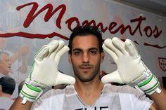 Entrevista a Marcelo Moretto. Antigo guarda-redes do Benfica foi uma espécie de patinho feio na Luz, onde esteve após acesa guerra com o FC Porto, que moti