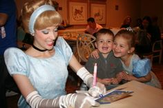 Character Dining With Toddlers (from Havebabywilltravel.com)