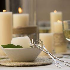 Velas macizas para eventos y decoración. Mesas bonitas. Velas blancas. Decoragloba.