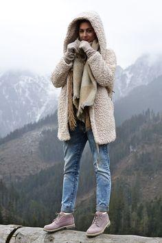 Boots: Timberland, Pants: Reserved, Jacket Primark, : Scarf: Primark, backpack: Uashmama
