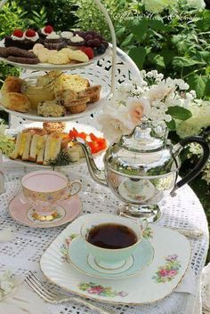 High Tea: sandwichesscones devonshire cream lemon curd mini quiches sweets and dessert as well as Lady Bakers tea . Mini Quiches, Brunch, Afternoon Tea Parties, Garden Tea Parties, Afternoon Delight, Sunny Afternoon, Tea Sandwiches, Le Diner, My Cup Of Tea