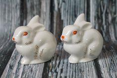 Set of 2 Vintage Soviet Porcelaine rabbit Statuette Easter bunny Animal Figurine Vintage white rabbit Retro porcelain Сollectible figurine Cabin Coffee, Easter Bunny, Rabbit, Folk, This Or That Questions, Retro, Porcelain, Animals, Vintage