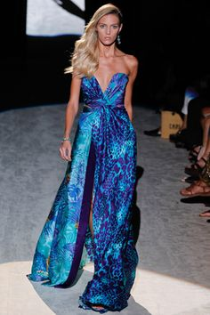 Celebrities Who Wear Use Or Own Salvatore Ferragamo Spring 2017 Rtw Printed Strapless Gown Also Discover The Movies Tv Shows And Events Ociated With
