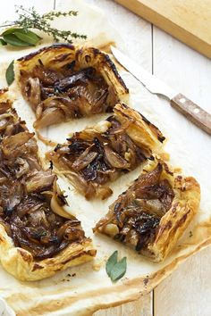 Deliciously rich and simple caramelized shallot tart, use a #vegan margarine. Serve with side salad for a perfect #vegan #lunch