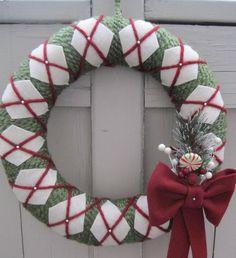 DIY Christmas Wreath Ideas - Yarn & Felt Front Door Wreath - Click Pick for 24 DIY Christmas Decor Ideas