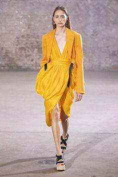 Save Trend Fashion, Paris Fashion, Fashion News, Spring Fashion, High Fashion, Fashion Beauty, Fashion Show, Fashion 2020, Runway Fashion