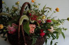 #flower#flowerlesson#flowerclass#flowerschool#florist#propose#present#flowerbasket