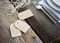 Small wooden hang ta