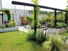 Garden Yard Ideas, Garden Projects, Country Landscaping, Backyard Landscaping, Dream Garden, Home And Garden, Garden Trellis, Back Gardens, Outdoor Projects