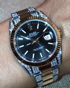 silver rolex watch with diamonds band make sure it has an automatic movement instead of a quartz movement make sure it has a good weight Best Skeleton Watches, Best Watches For Men, Rolex Watches For Men, Luxury Watches For Men, Expensive Watches For Men, Watches For Men Affordable, Fossil Watches For Men, Leather Watches, Mens Sport Watches