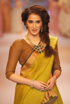 Sagrika Ghatge Walked on The Ramp at IIJW 2014. Bollywood Wallpaper MADHUBANI PAINTINGS MASK PHOTO GALLERY  | I.PINIMG.COM  #EDUCRATSWEB 2020-07-27 i.pinimg.com https://i.pinimg.com/236x/45/c8/54/45c8544507416799c5be687ac2a3fc75.jpg