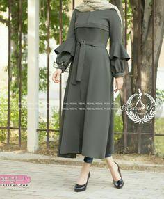 Iranian Women Fashion, Muslim Fashion, Hijab Fashion, Fashion Dresses, Fashion Clothes, Womens Fashion, Abaya Designs, Blouse Designs, Bts Face Mask