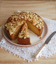 Honey-bee-cake