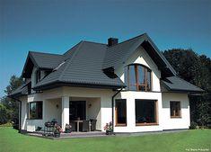 Kolor dachu powinien komponować się zarówno z kolorem elewacji, jak i okien, drzwi czy dekoracyjnych elementów architektonicznych