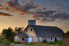 barn sunrise   ... > Charles Knowles > Photos > 2008 > Old Barn sunrise Meridian