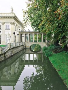 Palais sur l'eau Blog Voyage, Mansions, Country, House Styles, Warsaw, Poland, Water, Rural Area, Fancy Houses