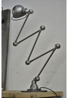Lampe Jieldé 5 bras #industrialstyle #architecturalhardware www.motherofpearl.com