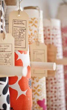 Meterwerk Stoffe kaufen Bio-Stoffe online bei Meterwerk bestellen! Stoff Online Shop, Home Sew, Diy Shops, Haberdashery, Fun Crafts, Craft Supplies, Cool Stuff, Sewing, Bottle