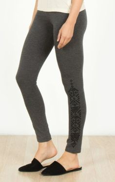 Embroidered bottom leggings  #boutiqueshopping #simpleoutfit #boutiques #suwanee #fashiongirl #onpoint #instastyle #shopping #boutique #instashop