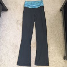 SALE 💕💕Gray yoga pants Old navy active size x-small yoga pants. Dark gray in color with a flare out leg at the bottom (just like Victoria's Secret yoga pants) fold over waist with blue strip detail. Some signs of wear (fuzzy areas)but good condition. Brand name just used for exposure Victoria's Secret Pants Leggings