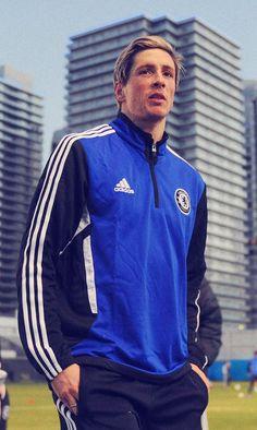 Striker Chelsea, asal Spanyol, Fernando Torres dikabarkan akan hengkang dari The Blues. Ia berniat kembali ke klub lamanya, Liverpool. #NexSoccer