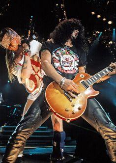 Slash and Axl Rose                                                       …                                                                                                                                                                                 Mais