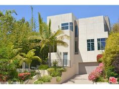 10545 BUTTERFIELD RD, Los Angeles, CA 90064 (MLS # 14756749)  Price $2,895,000 Status Active Beds 5 Baths 4 full, 1 half Home size 4,489 sq ft Lot Size 6,997 sqft