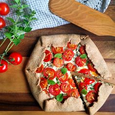 Whole Wheat Tomato and Herbed Ricotta Galette by lusya on #kitchenbowl