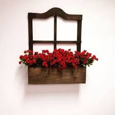Resultado de imagem para floreiras de madeira de parede