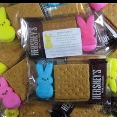 What a cute idea! Little goodie bags for Easter friends! Peeps s'mores. A graham cracker, peep and mini Hershey Bar!