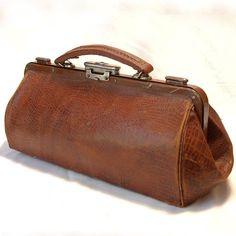 0ecd881ec1f Antique 1900 French DOCTOR Caramel Brown Leather by SallyLuvRose Vintage  Handbags, Vintage Purses, Vintage