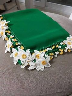 This Pin was discovered by HUZ Cotton Crochet, Irish Crochet, Crochet Lace, Silk Ribbon Embroidery, Hand Embroidery, Embroidery Patterns, Crochet Borders, Crochet Stitches, Lace Flowers